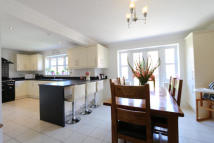 4 bed Detached home in New Forest Way...