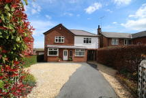 4 bedroom Detached house in Mold Road, Caergwrle