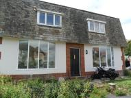 Ground Flat to rent in Barton Court Avenue...