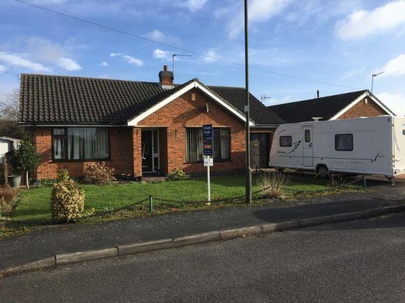 2 bedroom detached bungalow for sale in central avenue for Premier garage derby