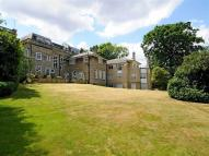 3 bed Flat to rent in Mavelstone Road, Bickley...