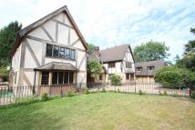 6 bedroom Detached property in Park Avenue...