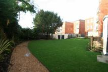2 bedroom Flat in Plaistow Lane, Bromley...