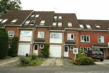 4 bed Town House to rent in Romney Drive, Bromley...