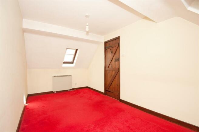 2SMC-Bedroom1_04.jpg