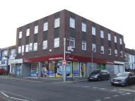 property to rent in Swindon - Commercial Road