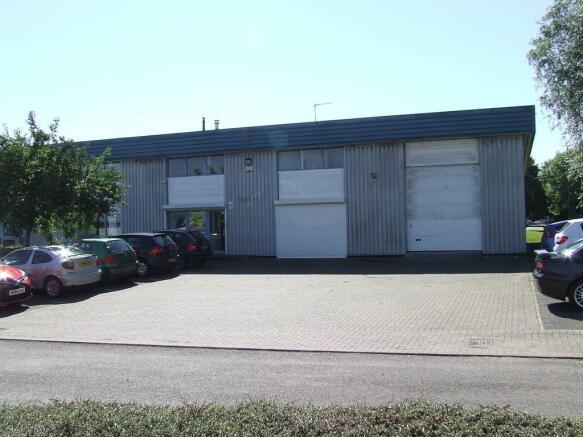 11 Sandown Centre