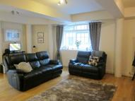 2 bed Flat in Prusoms Island...