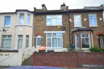 2 bed property for sale in Stratford