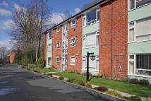 2 bed Ground Flat in Hatton Court...