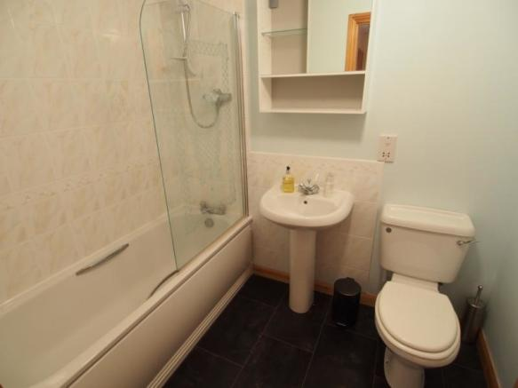 4 Hilton Heights -  Bathroom