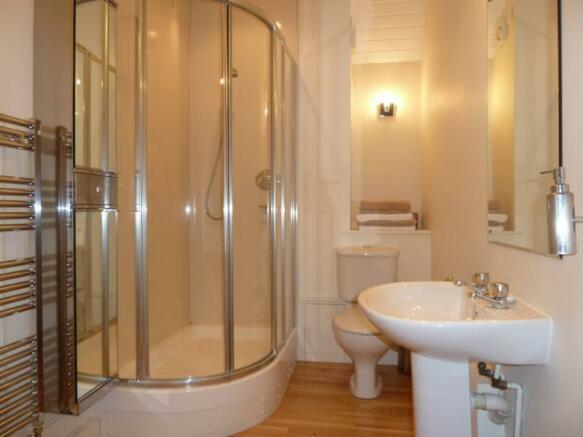 13 Rubislaw Den North, Flat 2 - Shower Room