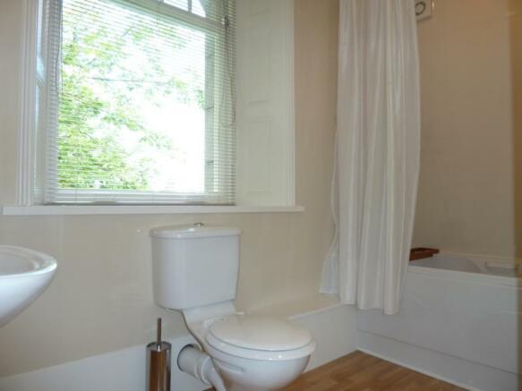 13 Rubislaw Den North, Flat 2 - En-suite Shower Ro