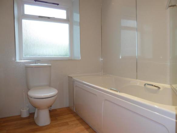 86 Hamilton Place - Bathroom