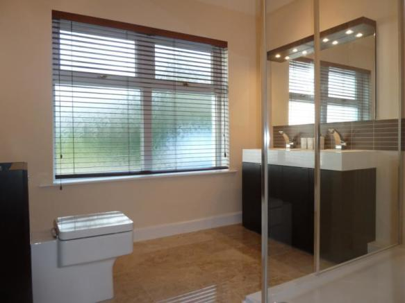 Dunsyre - En-suite Shower Room