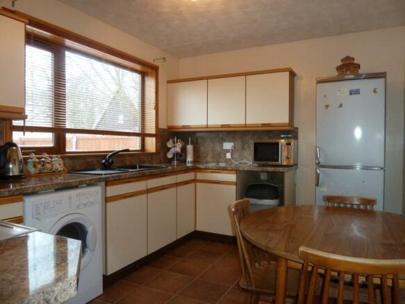 11 Greenbrae Avenue - Kitchen