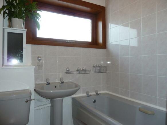 11 Greenbrae Avenue - Bathroom