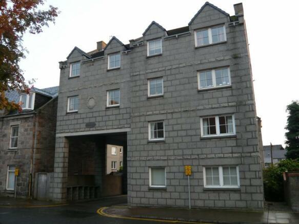 10 Whitehall Mews - Exterior