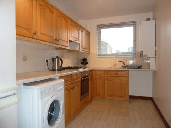 3 Caroline Apartments - Kitchen