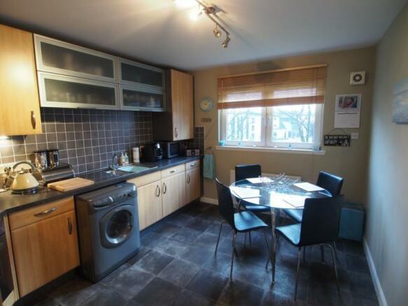 341 Links Road - Kitchen1