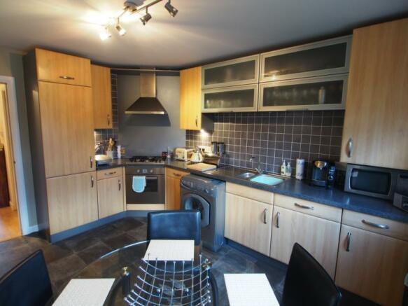 341 Links Road - Kitchen2