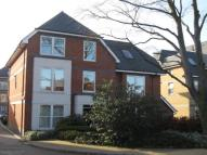 2 bed Flat to rent in Vicarage Road, Egham...