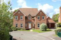 5 bedroom Detached property in Chestnut Drive...