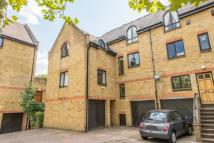 4 bed home in Waveney Close, London...