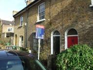 2 bed property to rent in Earlswood Street...
