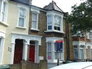 Apartment to rent in Darfield Road, Brockley...
