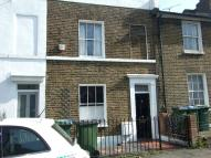 2 bed property in Tyler Street, Greenwich...