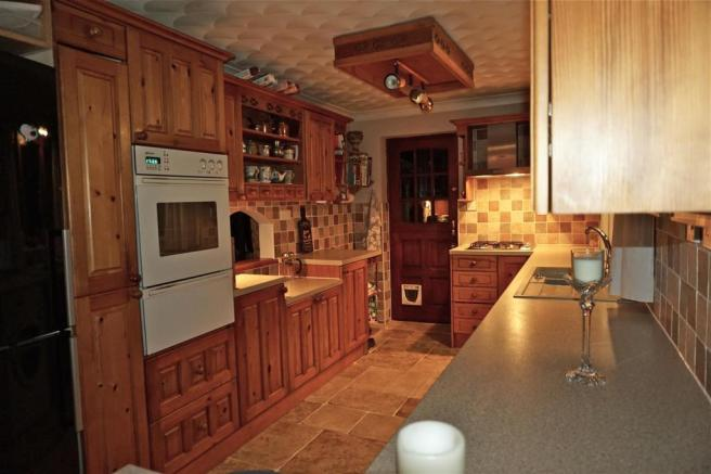 Kitchen (2)