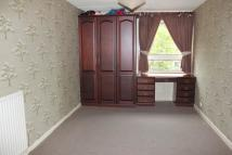Flat to rent in Glenbernie Road...