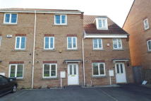 Town House for sale in Oakland Way, Bilborough...