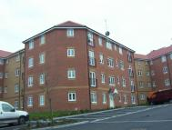 Flat to rent in Bromley Close