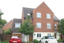 4 bed semi detached property for sale in Collard Close, Kenley