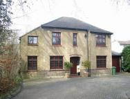 Detached house in Kingswood Way, Selsdon