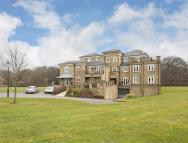 2 bedroom Apartment in East Parkside, Warlingham