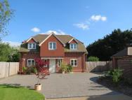 4 bed Detached property in Church Meadow, Bosham...