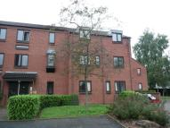 Flat to rent in Spring Pool, WARWICK...