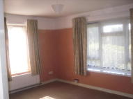 Flat to rent in Southend Crescent...
