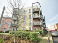 Flat to rent in Morris Walk...