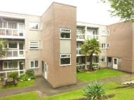 2 bed Ground Flat in Acresgate Court...