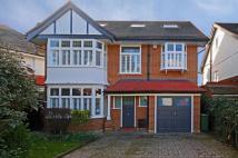 6 bed house in Elgar Avenue, Ealing