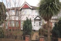 3 bed house in Waverley Gardens, Ealing