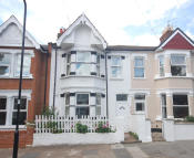 4 bed home to rent in Lawn Gardens, Hanwell...