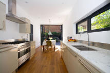 5 bed house in Elthorne Avenue, Hanwell...