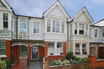 4 bedroom property in Windermere Road, Ealing...
