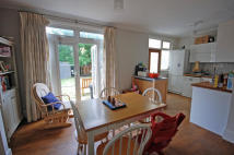 3 bed property in Netherbury Road, Ealing...