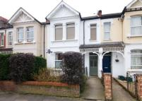 Flat to rent in Seaford Road, Ealing...